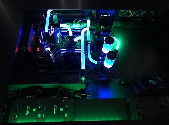 Lian Li DK-05 Liquid Cooled Build 8